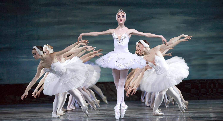 Russian_Ballet_Swan_Lake-e1490089533741