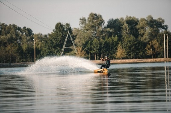 Adrenaline water skiing